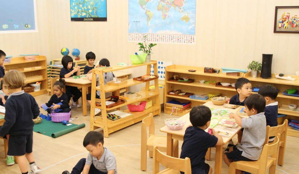 Nhược-điểm-của-phương-pháp-Montessori-Tốn-kém-tài-chính